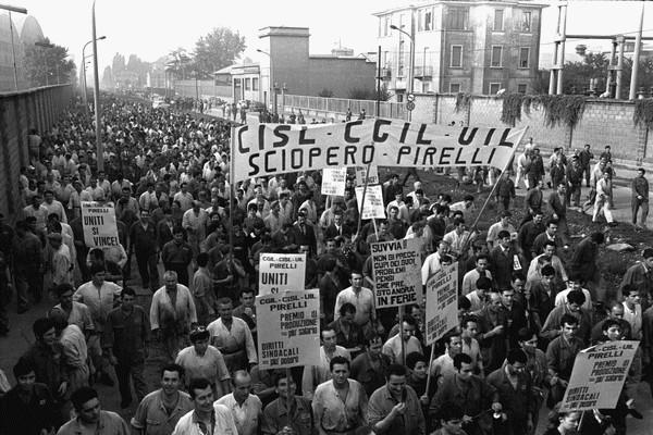 MANIFESTAZIONE SCIOPERO DEGLI OPERAI PIRELLI BICOCCA ANNO 1969